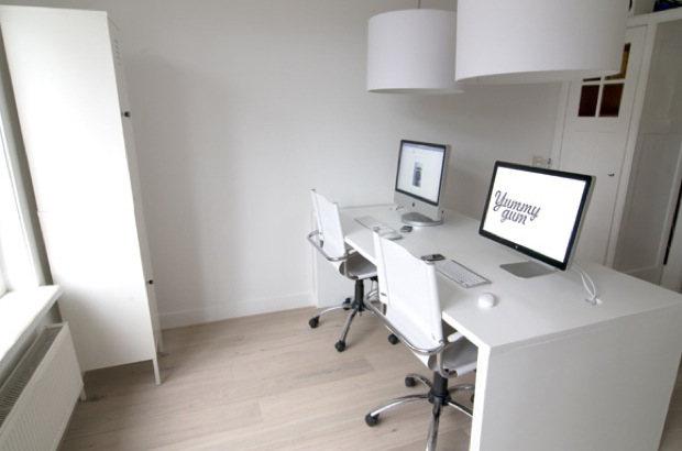 50 inspiring awesome stylish mac setups mac appstorm for Oficinas de apple